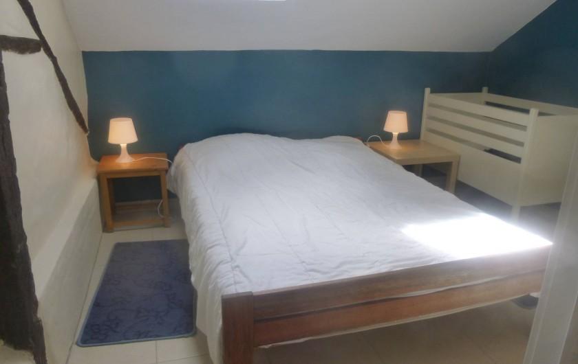 Location de vacances - Gîte à Stavelot - chambre  2 personne avec douche et lavabo