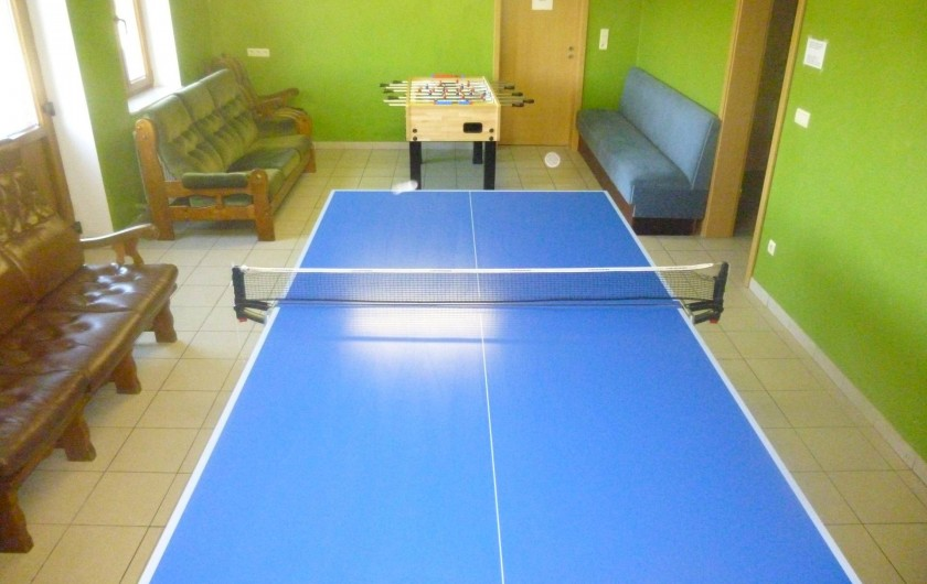 Location de vacances - Gîte à Stavelot - Table de ping-pong et kicker