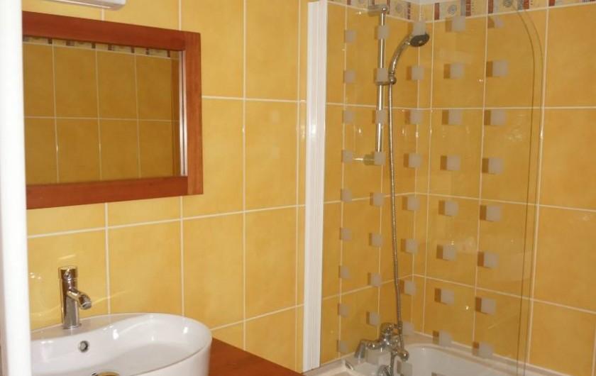 Location de vacances - Appartement à Saint-Sorlin-d'Arves - Salle de bain
