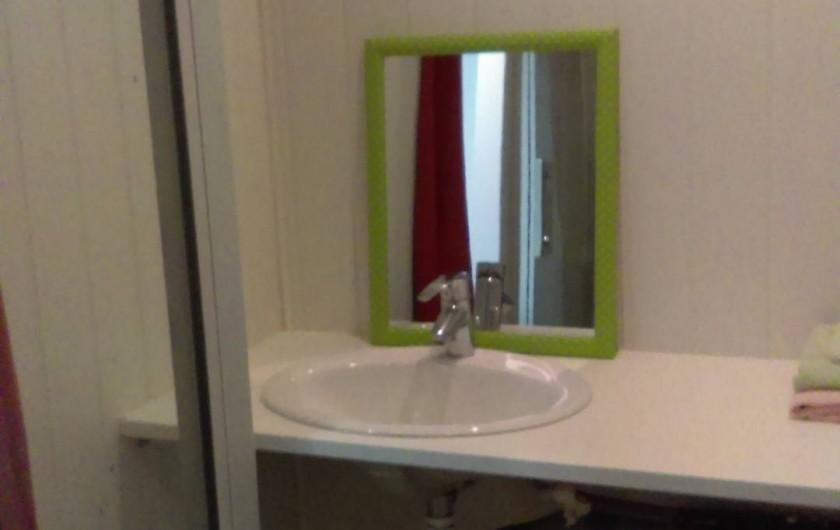 Location de vacances - Chambre d'hôtes à Puybrun - ch1 salle d'eau