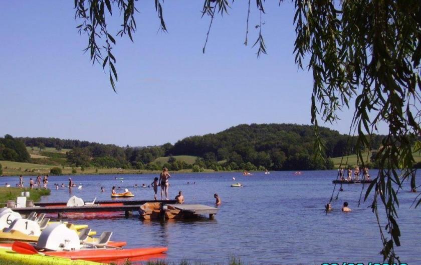 Location de vacances - Gîte à Florentin-la-Capelle - Las de Montézic-St Gervais (baignade, pédalos, pêche)