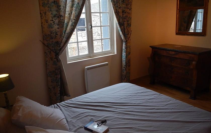 Location de vacances - Gîte à Lagrasse - Chambre à grand lit