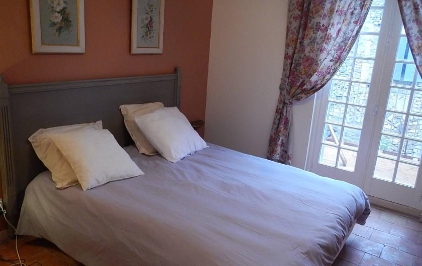 Location de vacances - Gîte à Lagrasse - Chambre avec balcon