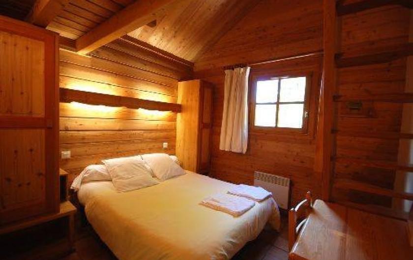 Location de vacances - Chalet à La Salle-les-Alpes - chambre