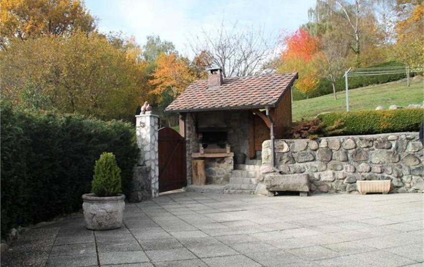 Location de vacances - Chalet à Fellering - Terrasse avec barbecue