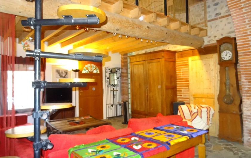 Location de vacances - Appartement à Bompas - le salon avec vue sur la porte d'entrée