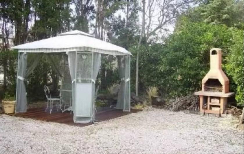 Location de vacances - Maison - Villa à Agde - vue du jardin