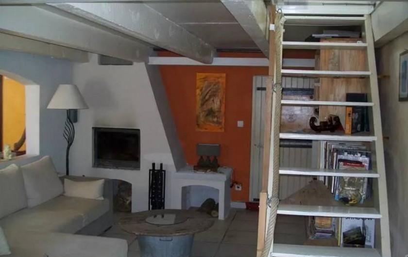 Location de vacances - Maison - Villa à Agde - salon et cheminee