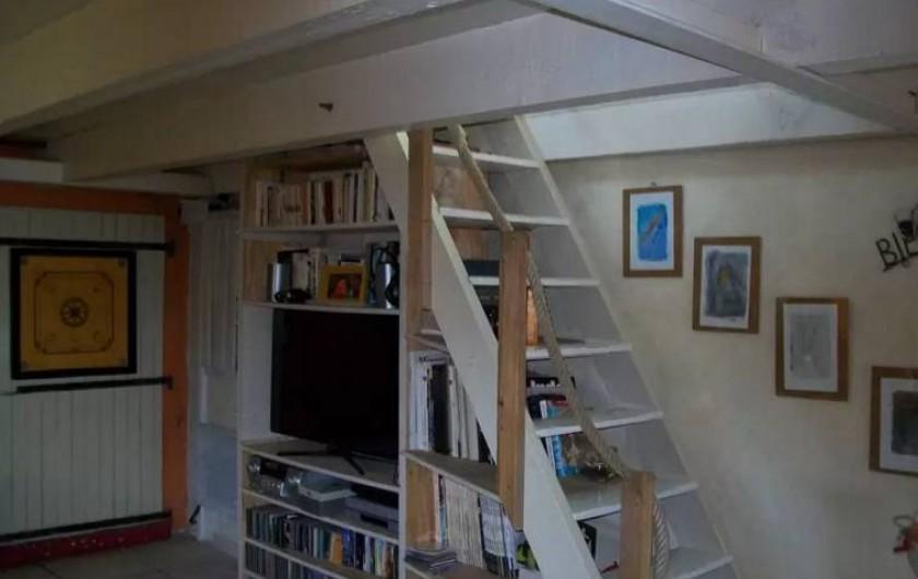 Location de vacances - Maison - Villa à Agde - salonavec acces a l étage