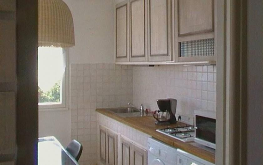 Location de vacances - Appartement à Saint-Tropez - cuisine
