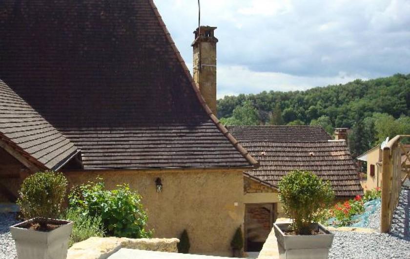 Location de vacances - Chambre d'hôtes à Carsac-Aillac - L'entrée coté parking.
