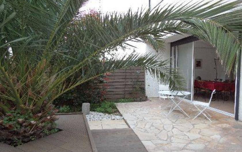 Location de vacances - Villa à Sète - terrasse côté jardin