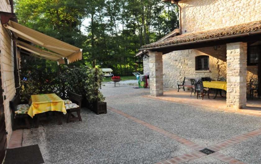 Location de vacances - Appartement à Gubbio - Place extérieur privée app., Ciclamino e Girasole