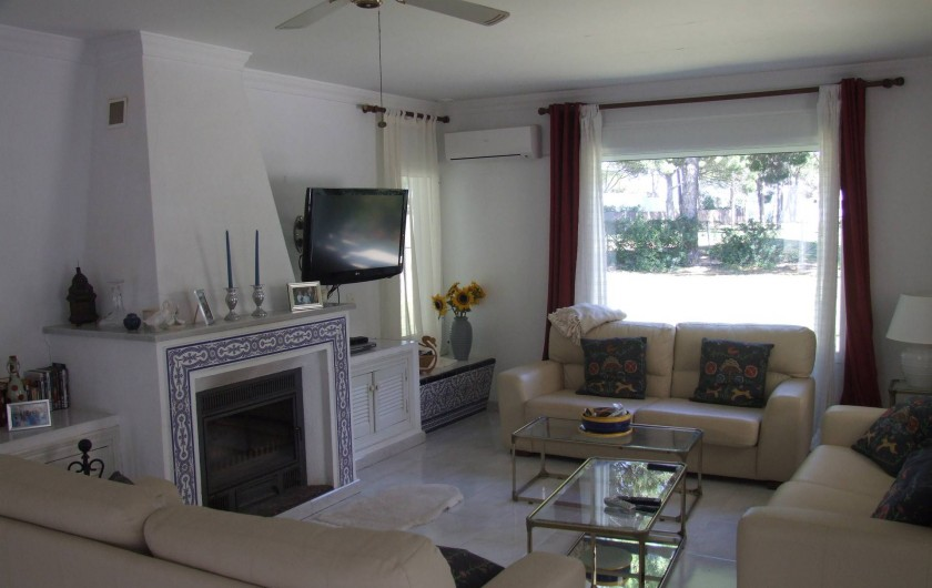 Location de vacances - Maison - Villa à San Andrés Golf - le salon avec clima, et des vues sur le jardin