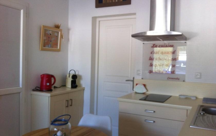 Location de vacances - Villa à La Palme - cuisine et coin café