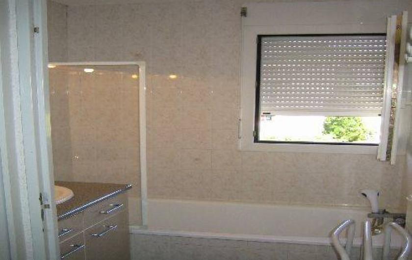 Location de vacances - Appartement à Carqueiranne - Salle de bain