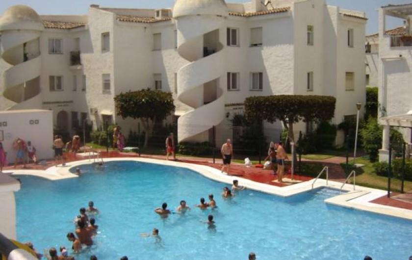 Location de vacances - Appartement à Torrox Costa - PISCINE DEVANT L'APPARTEMENT