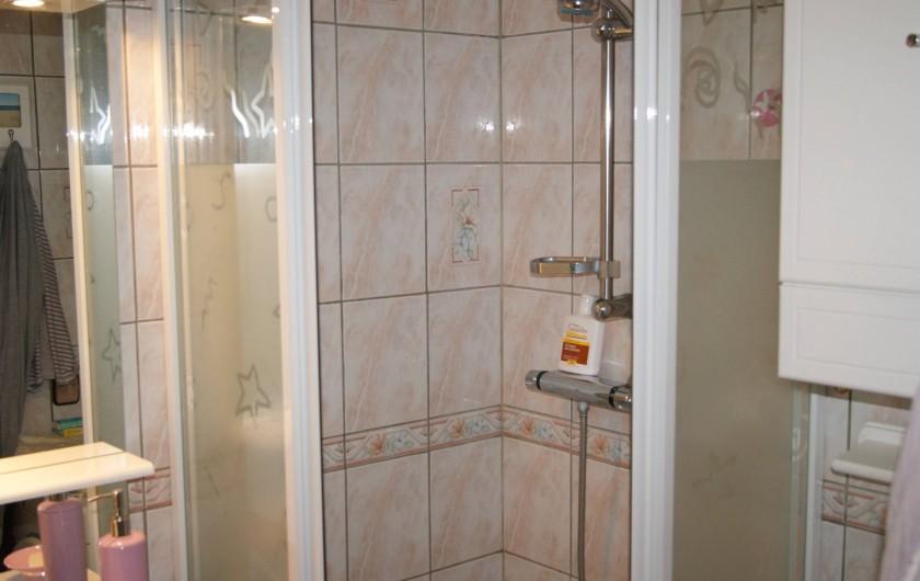 Location de vacances - Appartement à Le Barcarès - vue SDB 1