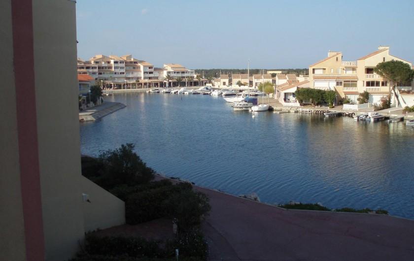 Location de vacances - Appartement à Le Barcarès - vue depuis le balcon 2