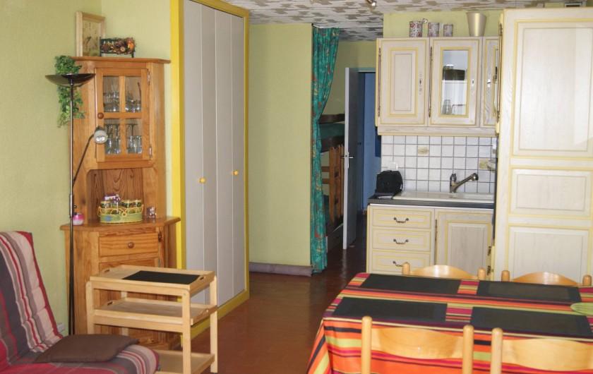 Location de vacances - Appartement à Le Barcarès - vue coin cuisine 3
