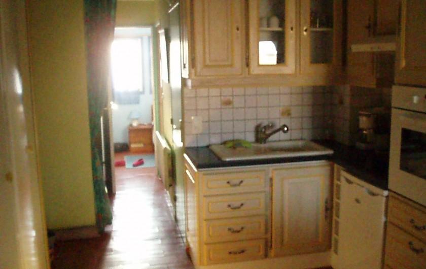 Location de vacances - Appartement à Le Barcarès - vue coin cuisine 1