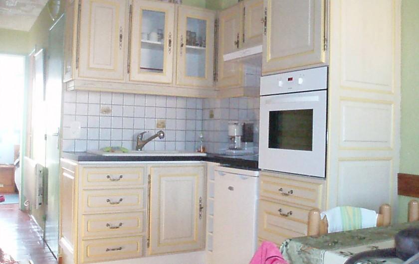 Location de vacances - Appartement à Le Barcarès - vue coin cuisine 2