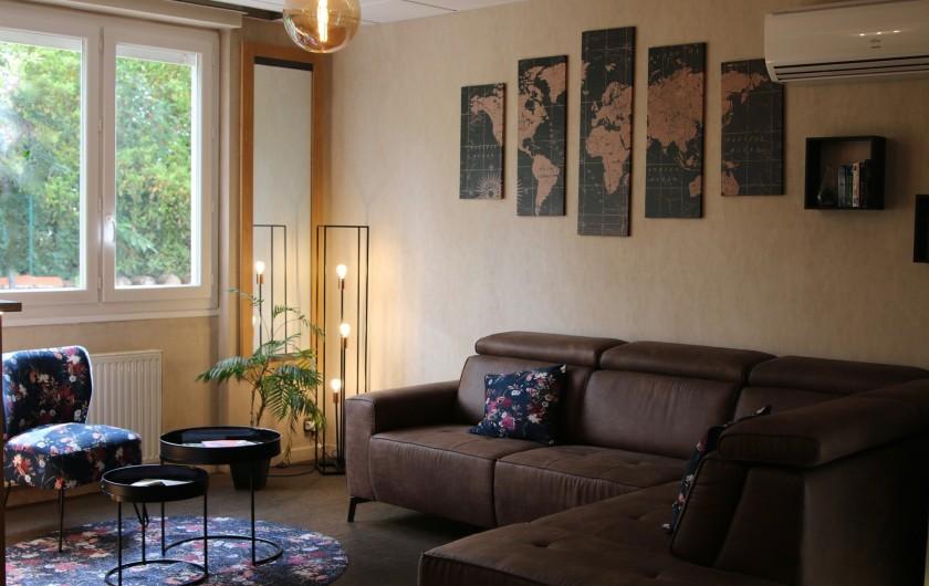 Location de vacances - Hôtel - Auberge à Albi - Salon rez de chaussée
