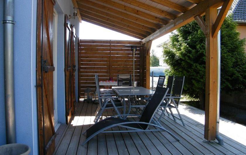 Location de vacances - Gîte à Kertzfeld - terrasse salon de jardin
