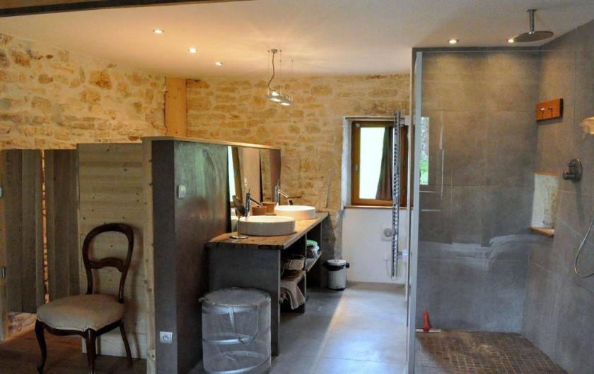 Location de vacances - Mas à Barjac - Salle de bain suite parentale