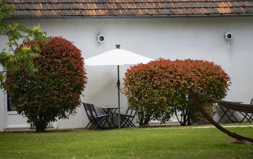 Location de vacances - Chambre d'hôtes à Simeyrols - Espace privée chambre Sarlat