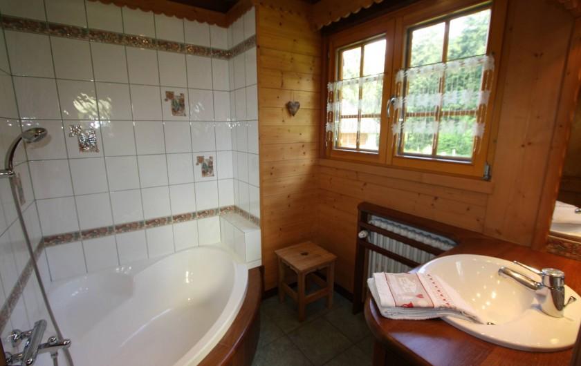 Location de vacances - Chalet à Xonrupt-Longemer - SDB avec baignoire