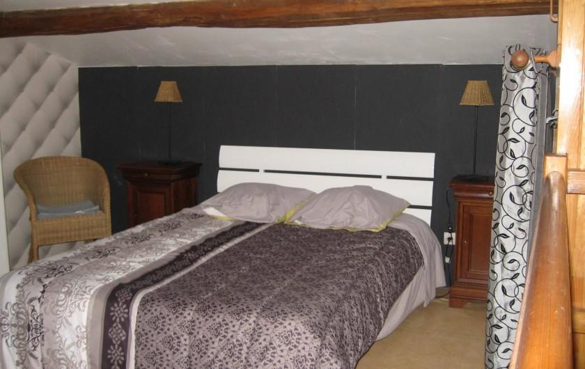 Location de vacances - Gîte à Isle-sur-Marne - chambre lit 140 cms