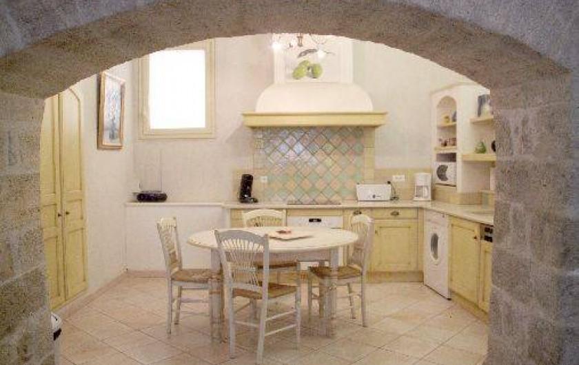 Location de vacances - Appartement à Robion - Cuisine équipée