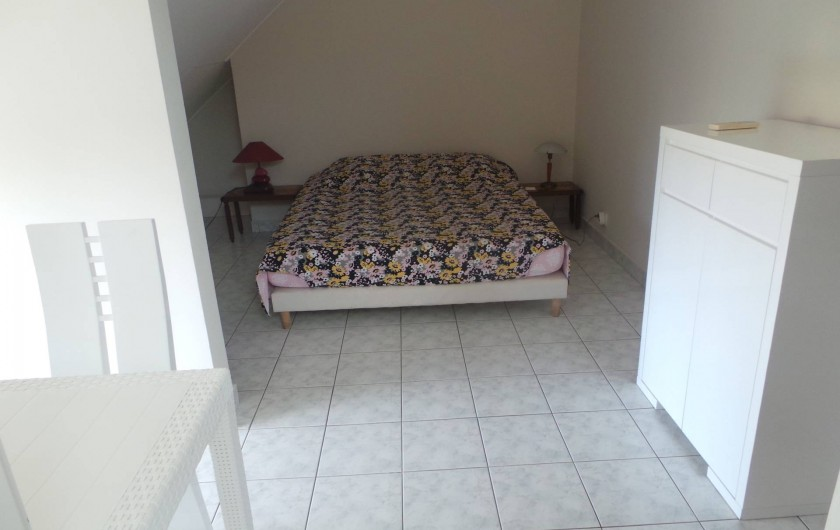 Location de vacances - Appartement à Saint-Paul - La chambre 1 couchage 160 et salle de douche 1 privée.