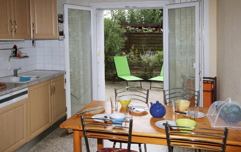 Location de vacances - Gîte à Salvagnac - Vue sur la terrasse