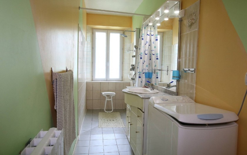 Location de vacances - Gîte à Salvagnac - Salle de douche a l'italienne