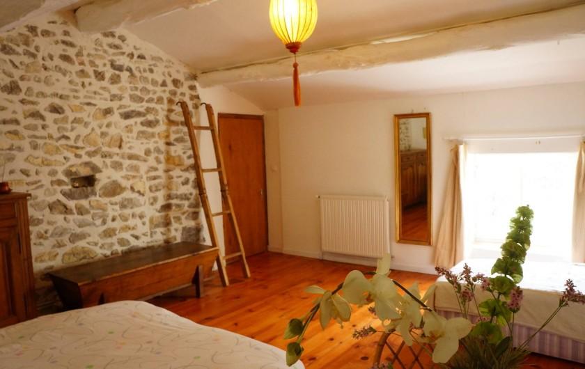 Location de vacances - Villa à Marsanne - Une des chambres à l'étage