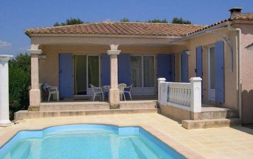 Location de vacances - Villa à Vers-Pont-du-Gard - Piscine privée en terrasse