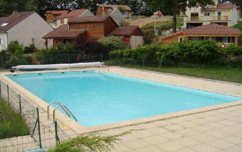 Location de vacances - Chalet à Saint-Gérons - Piscine privative ouverte en juillet août