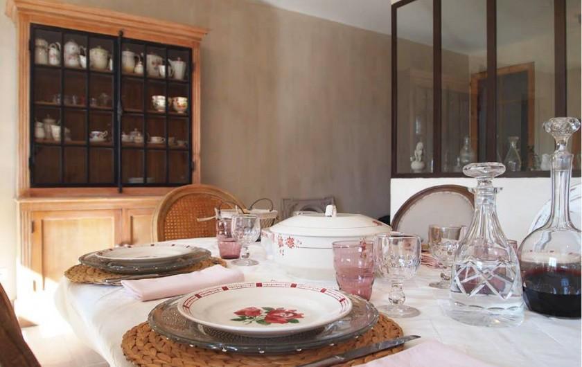 Location de vacances - Chambre d'hôtes à Saint-Saturnin-lès-Avignon - Salle à manger
