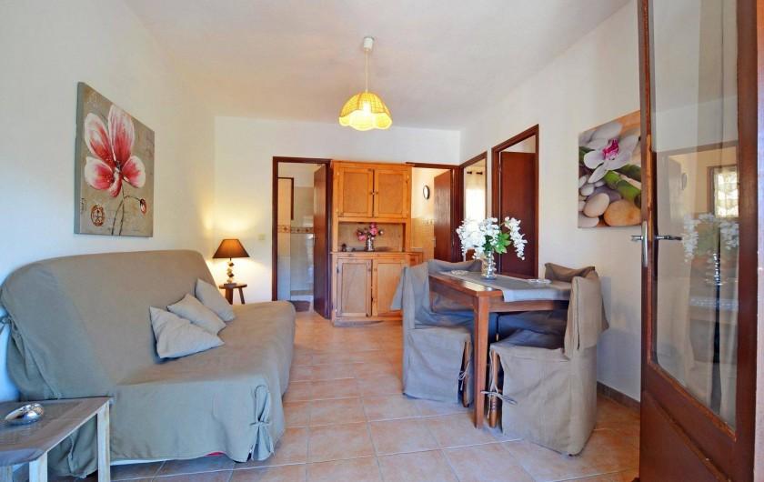 Location de vacances - Villa à Porto-Vecchio - SEJOUR AVEC CLIMATISATION AVEC  WIFI villa 3 ou 4