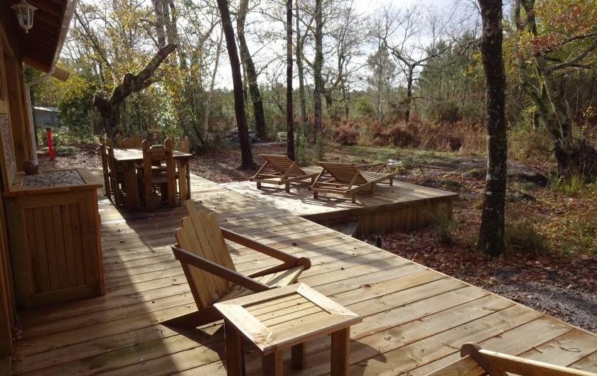 Location de vacances - Maison - Villa à Naujac-sur-Mer - terrasse et vue sur la forêt