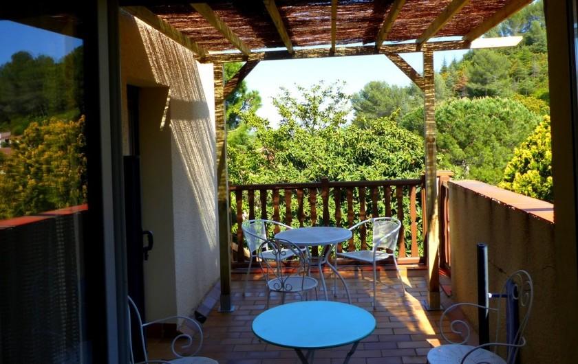 Location de vacances - Chambre d'hôtes à Comps - terrasse chambre
