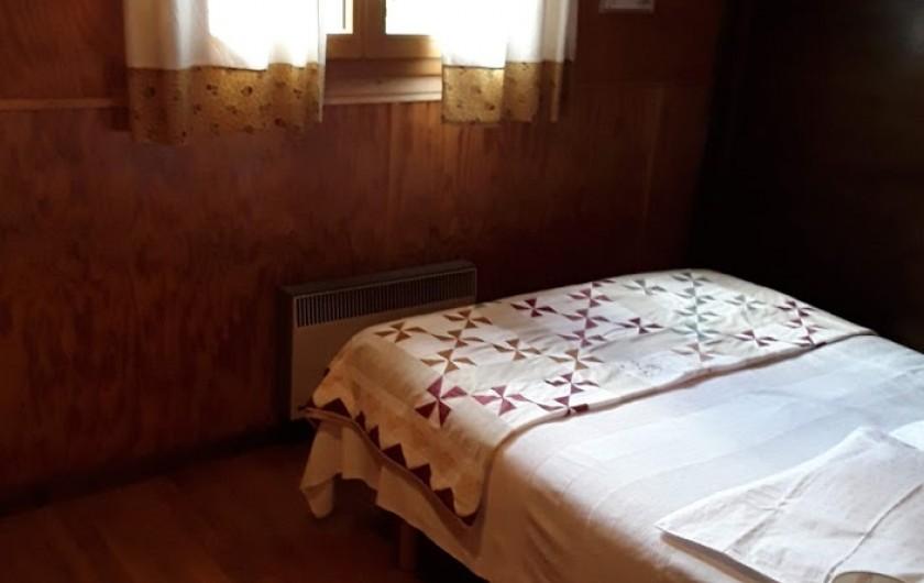 Location de vacances - Chalet à Lans-en-Vercors - chambre parentale