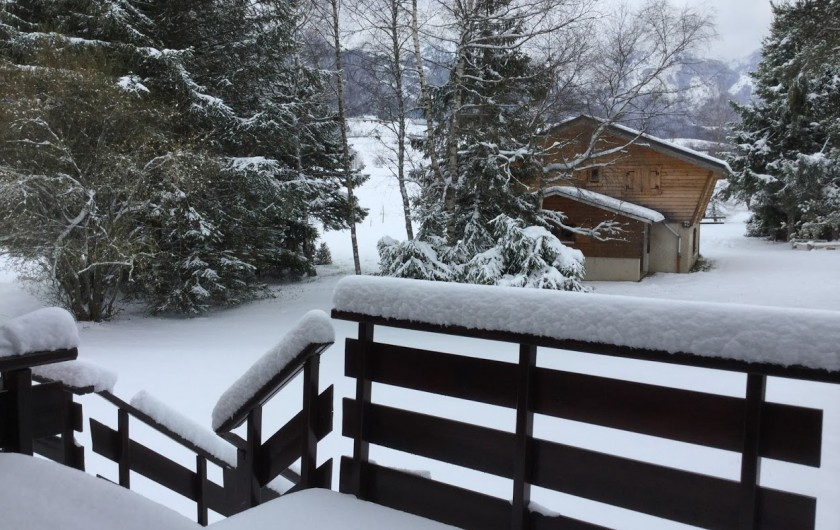 Location de vacances - Chalet à Lans-en-Vercors - le chalet en hiver