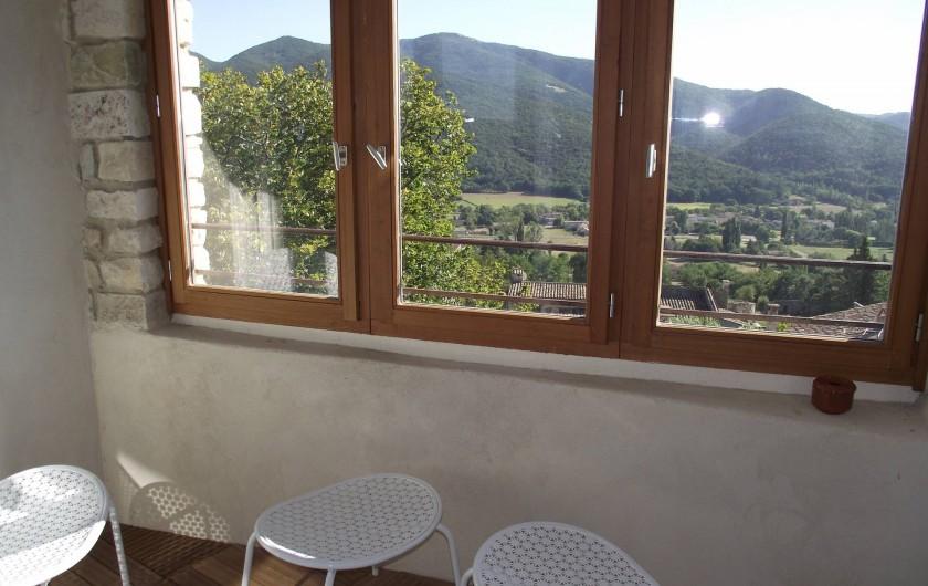 Location de vacances - Gîte à Le Poët-Laval - Terrasse de la chambre Toscane