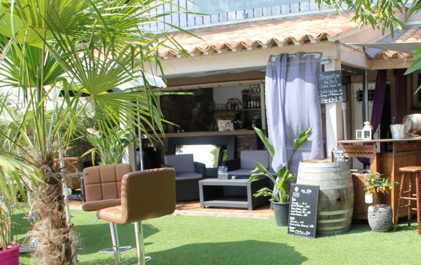 Location de vacances - Chambre d'hôtes à Cavalaire-sur-Mer - Lounge Bar Piscine