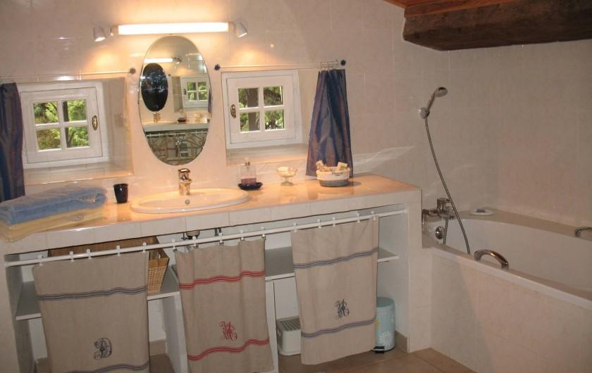 Location de vacances - Chambre d'hôtes à Marsanne - La Magnanerie/ salle de bains