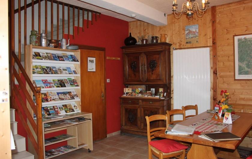 Location de vacances - Gîte à Nothalten - L'entrée du gîte avec sa salle de petits déjeuners