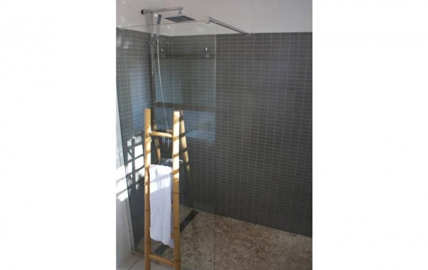 Location de vacances - Villa à Saint-François - 2 salles de bain avec douche à l'italienne
